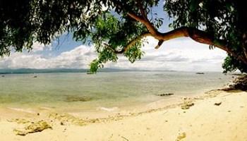 Playa en Manukan Borneo, Malasia