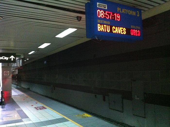 Tren a las Batu Caves en Kuala Lumpur