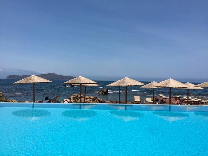 Viajar con gemelos: qué tipo de alojamiento elegir (Creta, Grecia)