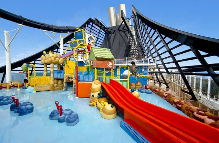 Entretenimiento para bebés, niños y adolescentes en los cruceros