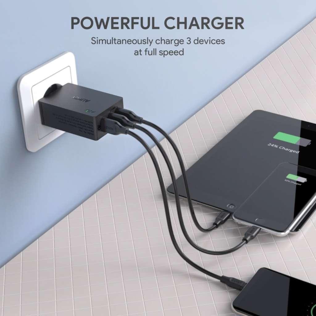 AUKEY Quick Charge 3.0 Cargador USB con 3 puertos