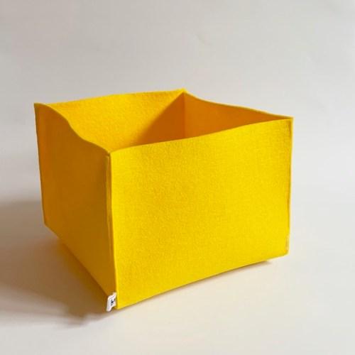 mooie gele grote opbergmand van duurzaam vilt, handig voor al je losse rommeltjes