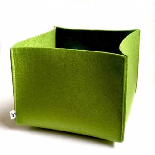vilten mand - trendkleur groen is het helemaal in jouw huis met deze mooie opberger van vilt