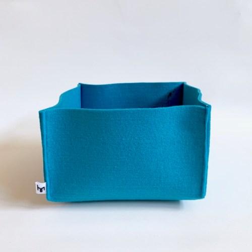 blauwe vilten mand uniek handgemaakte woonaccessoires