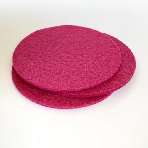 nooit meer krassen of kringen met deze roze ronde onderzetters van wasbaar vilt