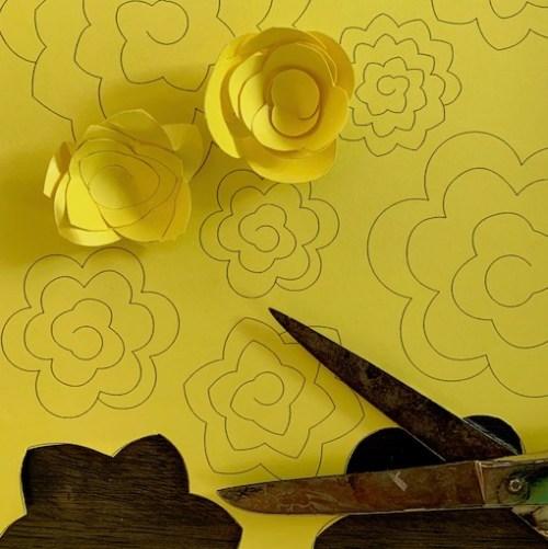 maak zelf deze papieren bloemen