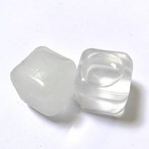 herbruikbare ijsklontjes: bevroren versus ontdooid