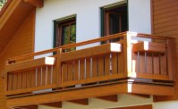 Wood balcony design ideas - beautiful accents