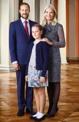 Norjan prinsessa Ingrid Alexandra, kruununprinssi Haakon ja kruununprinsessa Mette-Marit