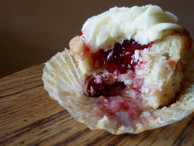 Cherry Cherry Pie Cupcake