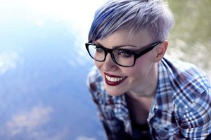 Short hair with color for women