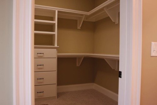 Few Ways to Make Over Your Closets
