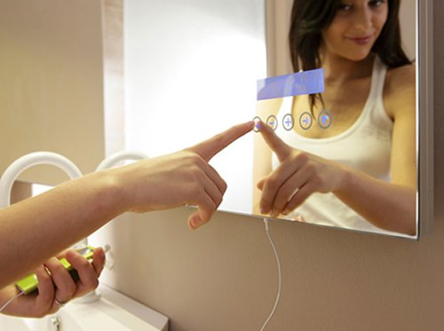 Stocco Maitre touch screen mirror for your iPod