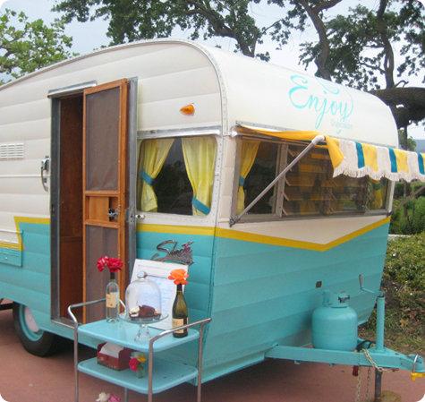 Cute little camper trailer!…I will refurbish one some day…I WILL!