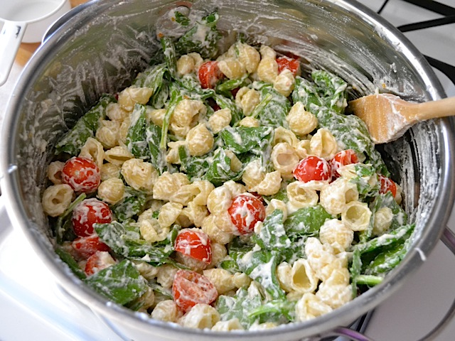 Spinach, garlic, cherry tomato and ricotta cheese pasta.