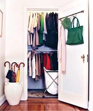 arranged-closet-clothes