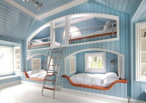 Blue Bedroom Reminding of Yacht Bunk