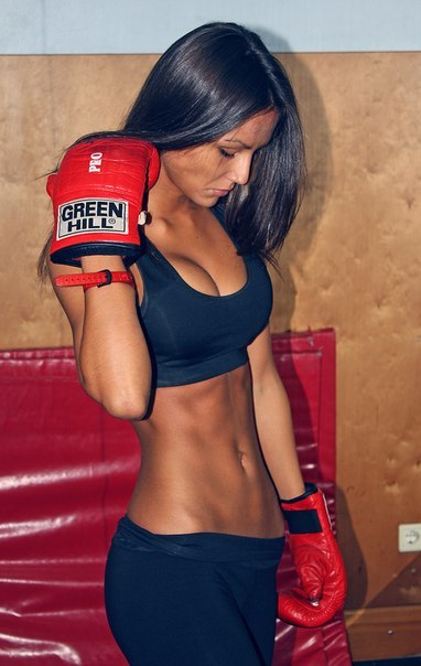 Build a stellar set of ABS for 2013 with this intense, 8 exercise abs workout pl