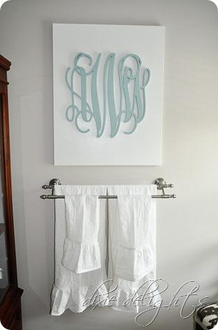Home Decor: Monogrammed DIY Canvas