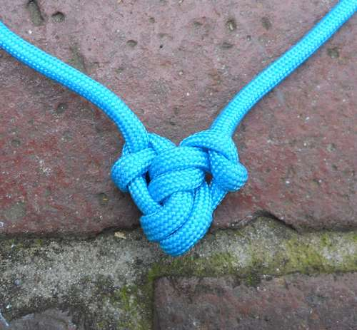 How To Make a Single Para-cord Heart Pendant