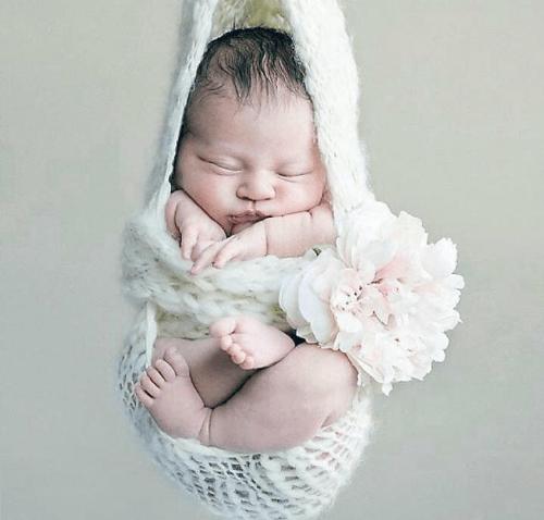 Newborn photo, Debby Blete