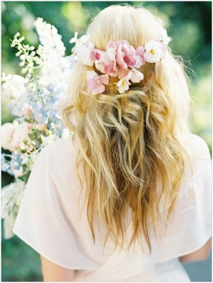boho chic 19 Bridal Hairstyles to Try This Wedding Season 19 Bridal Hairstyles to Try This Wedding Season Boho Chic