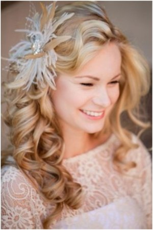 flirty curls 19 Bridal Hairstyles to Try This Wedding Season 19 Bridal Hairstyles to Try This Wedding Season Flirty Curls