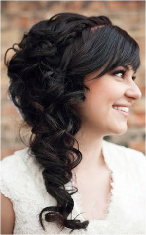 side curls 19 Bridal Hairstyles to Try This Wedding Season 19 Bridal Hairstyles to Try This Wedding Season Side Curls