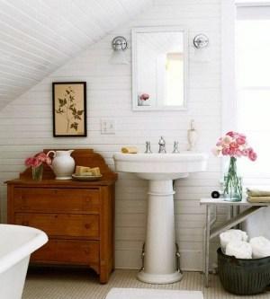 Round pedestal sink, pine chest
