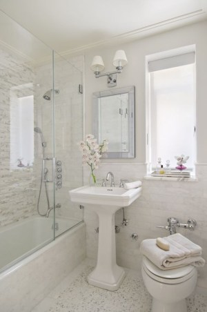 Small beautiful bathroom