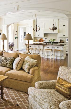Beautiful kitchen & comfy living room.