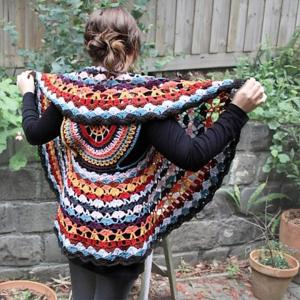 fashion-worthy crochet dreamcatcher circle vest