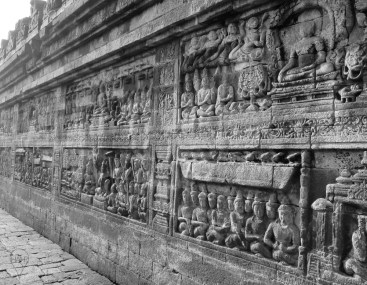 Borobudur has 2,670 narrative and decorative panels combined.