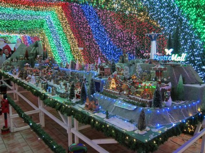 Cainta-Christmas-House_9302