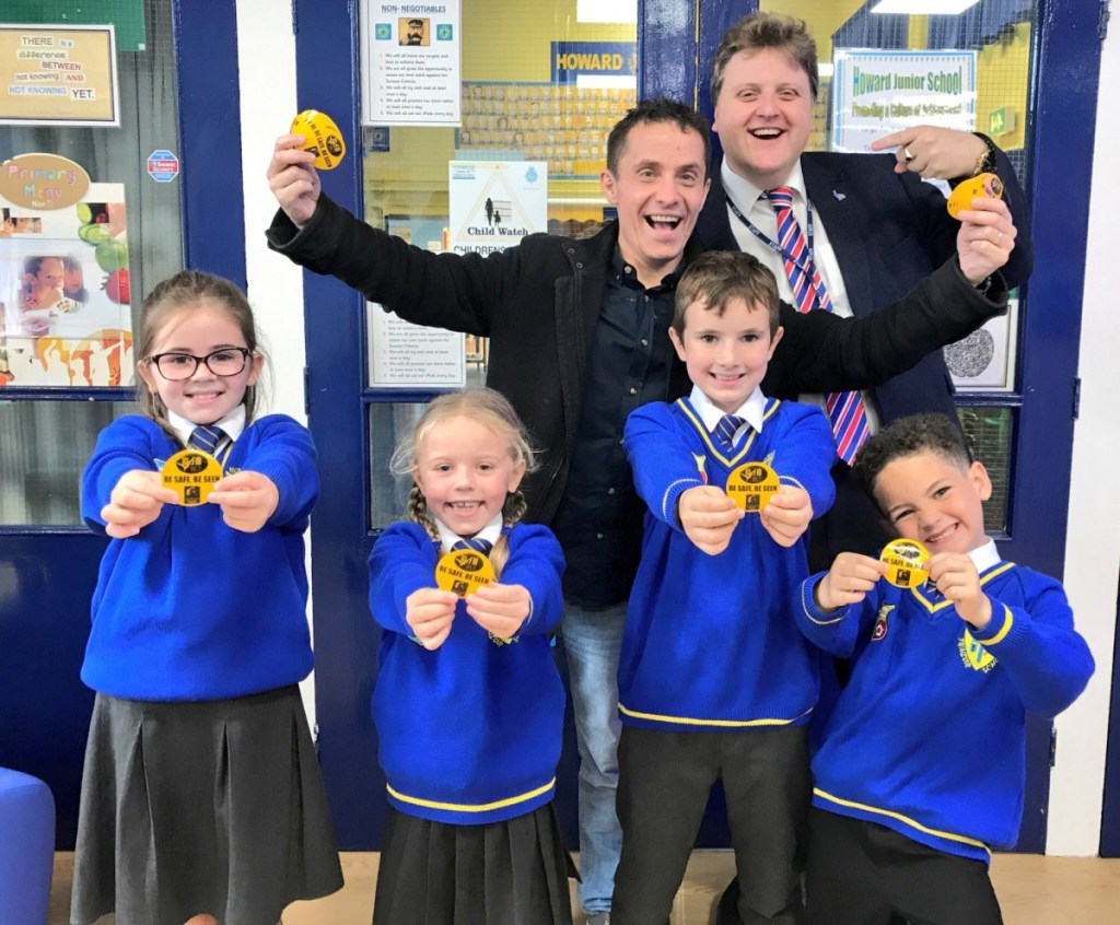 King's Lynn school pupils are keeping safe after receiving reflective badges