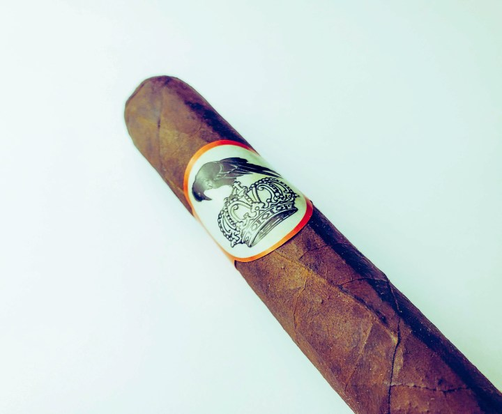 HBTC Review: Stolen Throne Crook of the Crown Robusto
