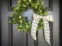 17 DIY Spring Wreaths You'll Want to Make! | How Does She