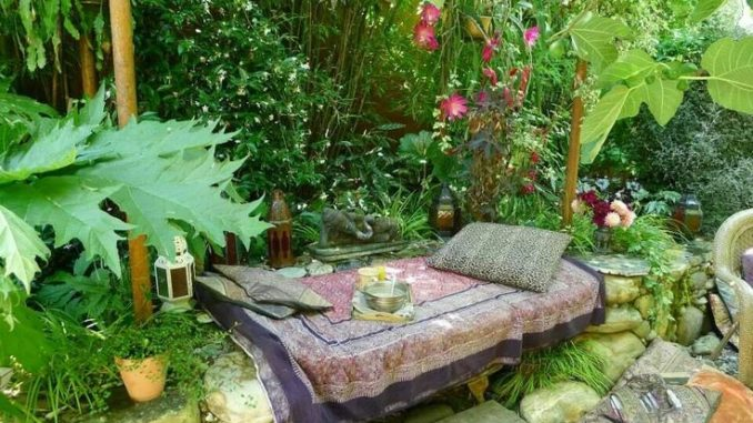 Create Your Own Sanctuary With These Outdoor Privacy Ideas