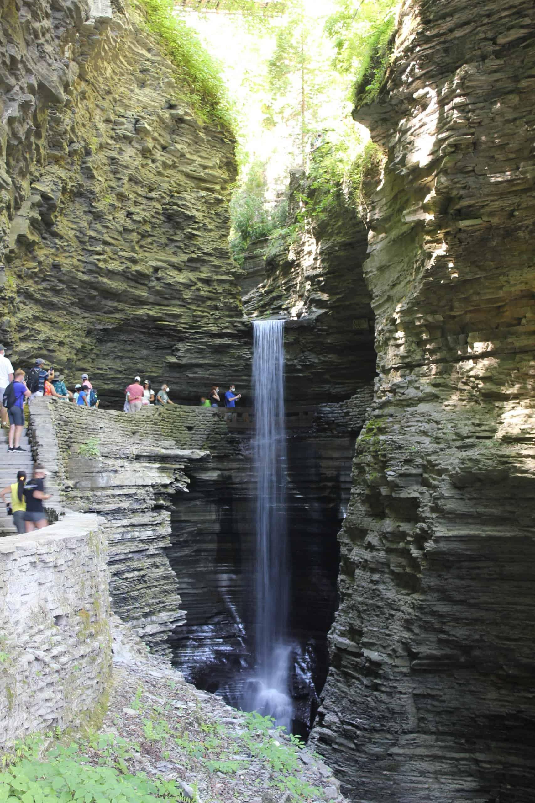 watkins glen park cavern cascade falls