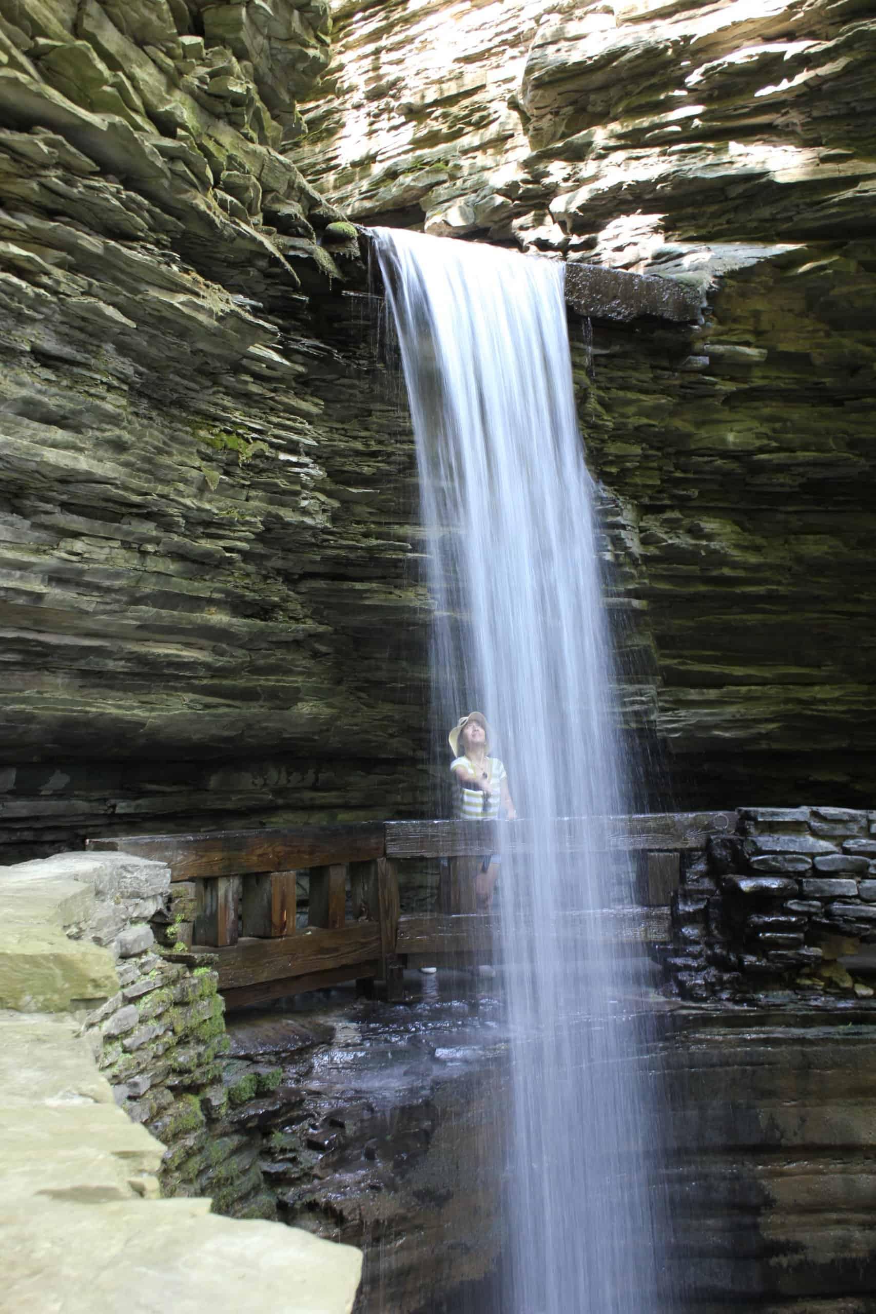 watkins glen cavern cascade falls