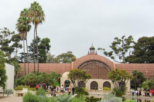 Ażurowy budynek Ogrodu Botanicznego