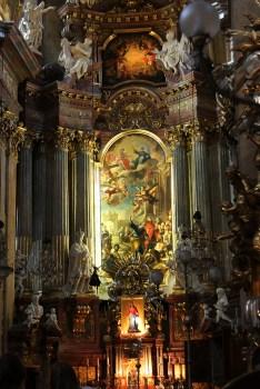 Peterkirche - ołtarz główny