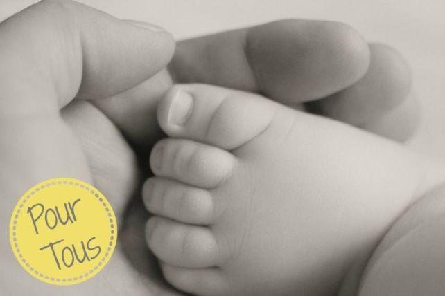 Massage bébé facile avec des balles conseils psychomotricienne