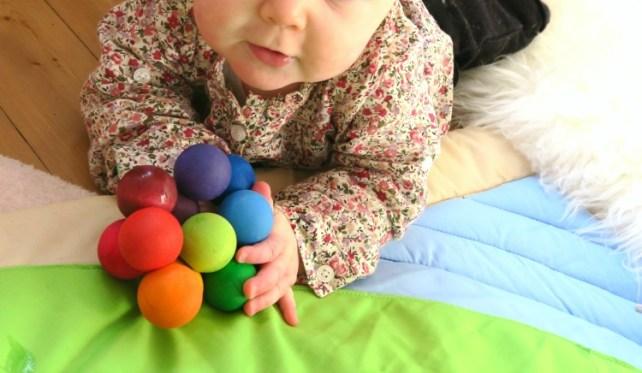 jeu de bébé hochet boule grimms