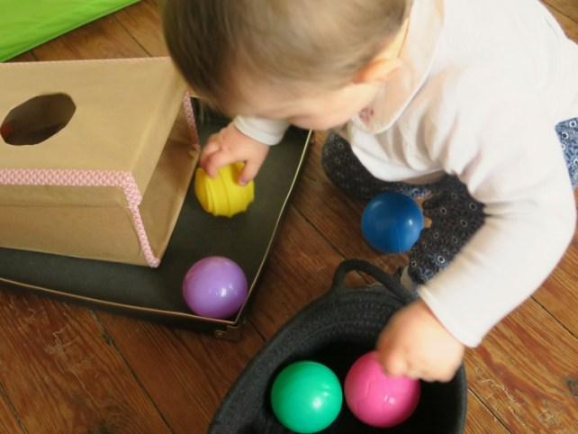 boite permanence objet montessori à fabriquer jeu bébé