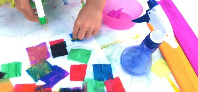 peinture avec papier crépon et pulvérisateur spray