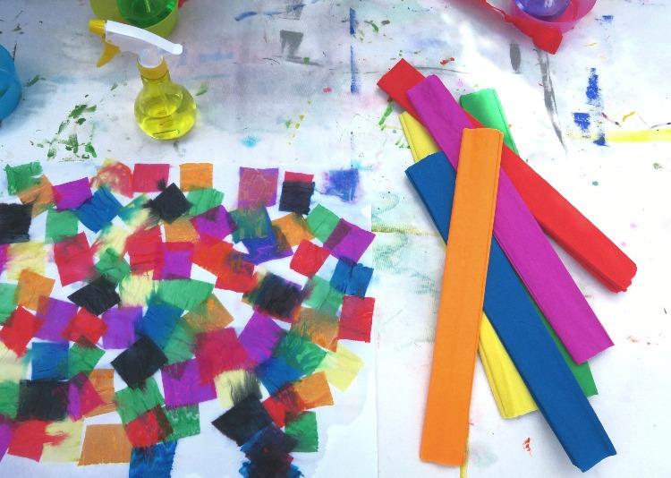La Peinture Teinture Au Papier Crepon Activite Ete 5 How I Play With My Mome