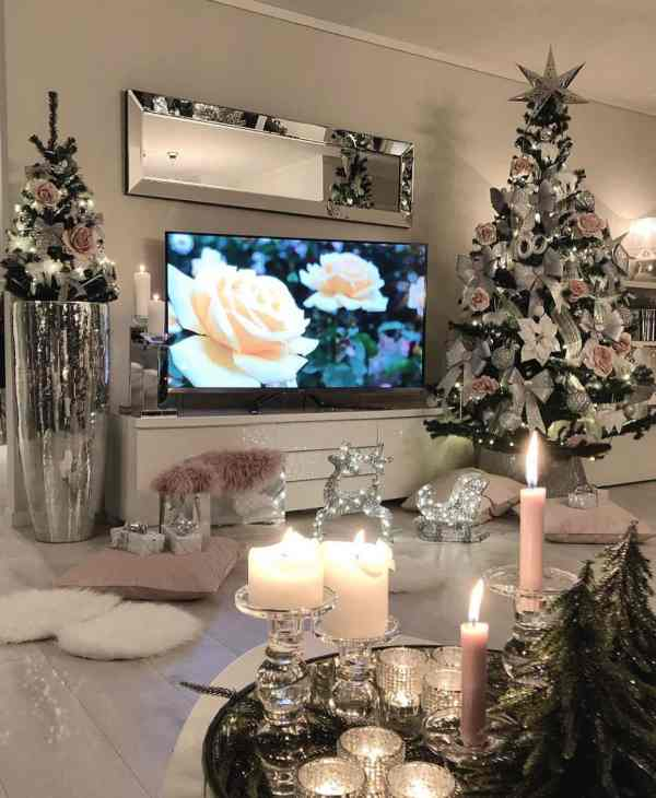 fabulous Christmas tree 2019121203 - 30+ Fabulous Christmas Tree and Decoration Ideas