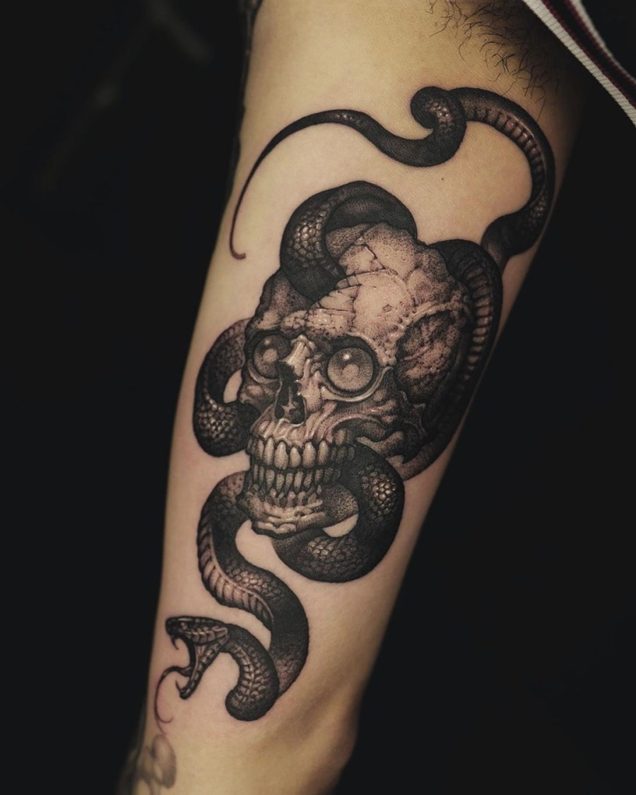 skull tattoo 2020070503 - 10 Best Skull Tattoo Designs and Meaning