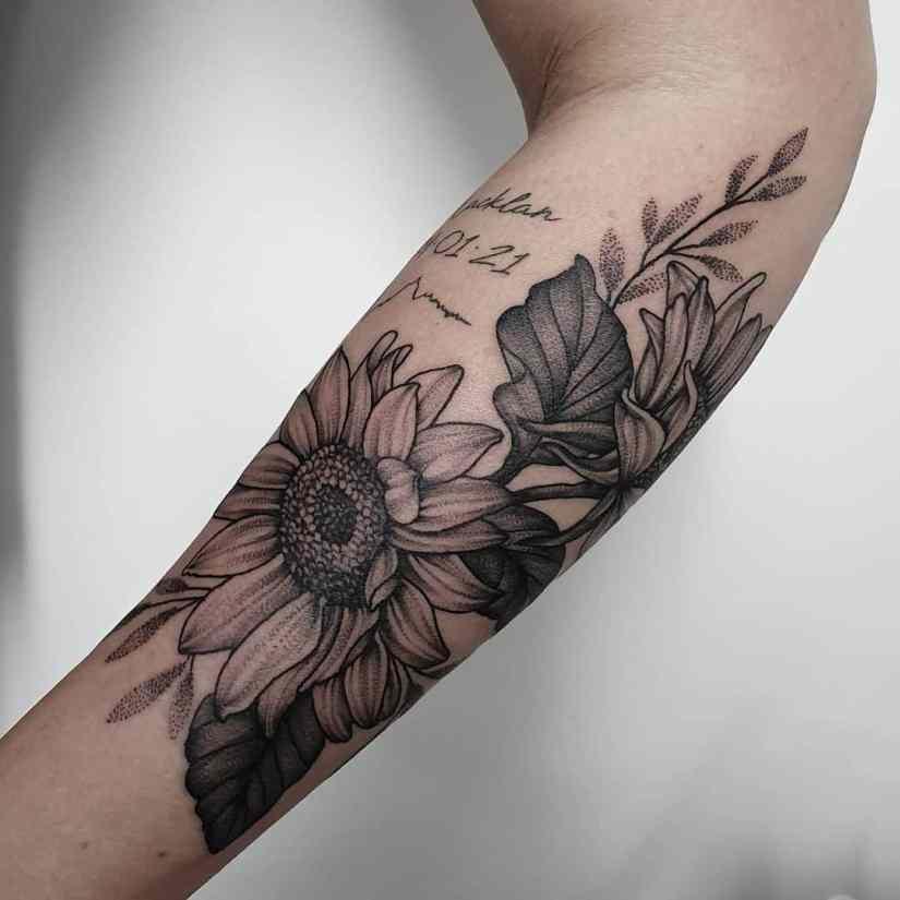 Best Sunflower Tattoo 2021052901 - 18 Best Sunflower Tattoos to Inspire You